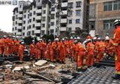 福建福州一自建民房倒塌 已成功救出14人