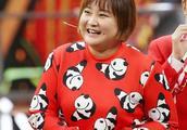 王源和最瘦时期的贾玲合照过,年轻时的贾玲是个美女,靠才华吃饭