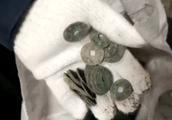 麦田内暗藏北宋钱庄 团伙盗挖4吨古钱币敛财百万