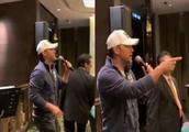 半个香港娱乐圈的聚会,张智霖让全场沸腾,向太不顾老公变迷妹