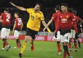 足总杯:拉什福德破门难救主,曼联客场1-2狼队遭淘汰