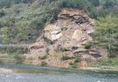 铜江公路坝黄段一山体垮塌,预警及时无人员伤亡