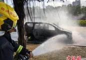 一小时两起汽车自燃 三亚消防支招防范