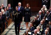 肢体语言专家:特朗普抵达老布什葬礼时,就像一头狮子