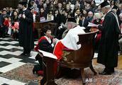 争议!邓亚萍因向外国老头下跪挨骂,国乒大魔王忍无可忍发声回击