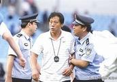 中国足球史上伟大的五人,一名将曾两次挡住罗纳尔多的射门?