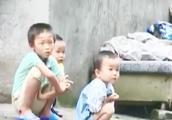 五个孩子三个妈 父母却不知去向 孩子靠捡垃圾啃馒头度日令人心酸