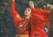 《东宫》开播受好评,女主撞脸林志玲,45岁杨恭如依旧惊艳!