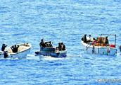 索马里海盗如此蛮横猖獗,为何护航军队只是驱离而不直接击毙呢?
