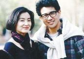 御用小生秦汉曾是林青霞旧爱,72岁帅气丝毫不减,孙女十分的萌