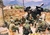 世界上模仿中国最成功的国家,武器仿造中国,军装几乎一样!