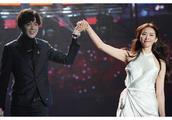 林志玲赤脚伴舞 网红歌手到底是谁?