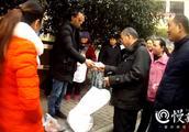重庆一骗子用猪肉冒充牦牛肉 100斤1小时销售一空