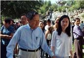 """96岁杨振宁:我和42岁翁帆的""""忘年恋""""!"""