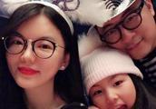 李湘晒女儿近照,王诗龄变化好大下巴都尖了!网友:比妈妈还美