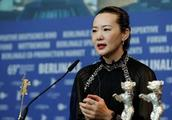 咏梅斩获柏林电影节影后,许戈辉是她的贵人,丈夫是摇滚老炮