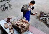中国最舒服的村庄,每天不工作也不干活,捡捡石头就能发家致富