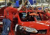 裁员数万人停产滞销车型,转型电气化,全球三大汽车巨头断臂求生