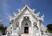 尊重生命,敬畏自然,艺术家将他们鲜明的个性融入到白庙黑庙中