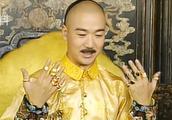 康熙老来得子,可惜不久后驾崩,长兄如父,他被雍正当儿子来养!