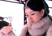 被质疑整容,被插足婚姻,患抑郁轻生,如今她改名成佛系女孩