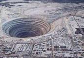 """地下一万米,当年苏联人的""""超级钻探""""挖到了什么?为什么停止了"""