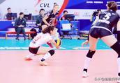 中国女排联赛半决赛第三场天津女排意外败给江苏女排,谁更吃亏?