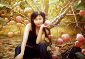 李壮平用女儿做模特,虽然开创了油画的先河,但作品却受人非议