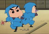 蜡笔小新等人来到忍者乐园,没想到在这里遇到了一个厉害的对手