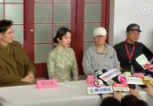 杨幂新片《解放了》媒体探班,旗袍造型曝光,笑称旗袍叉开的太高