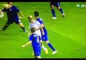 06世界杯决赛,齐达内这一记铁头功,定格为足坛经典!