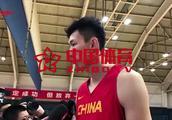 【声音】周琦回应网传签约辽宁:你问我怎么看,我站着看