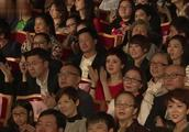 郭德纲相声闭幕又唱《大实话》演出结束观众纷纷不肯离去!