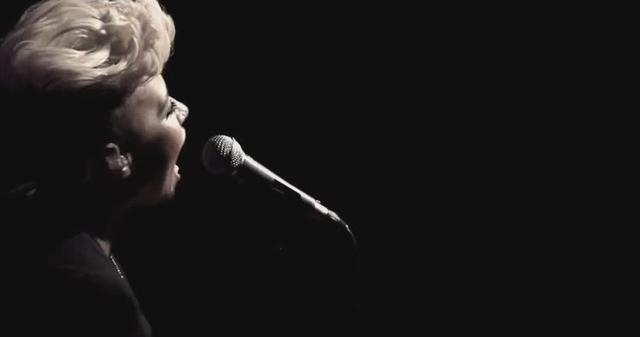 Emeli Sande-Read All About It Live版