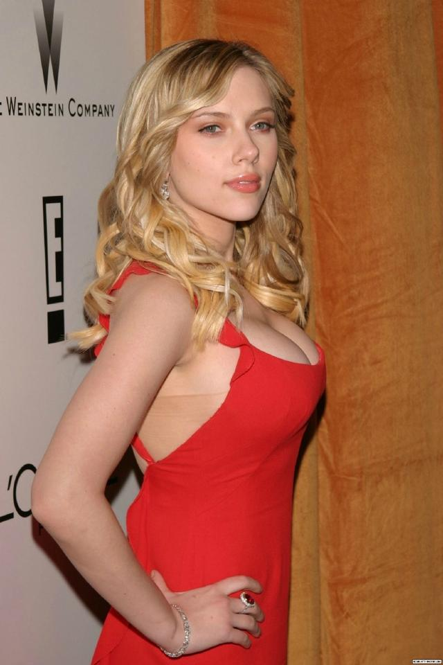 Scarlett Johansson in Golden Globes 2006,妖艳而不俗