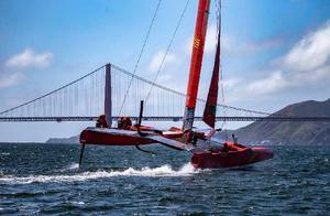 国际帆船大奖赛旧金山站赛前突发意外 中国队翼帆严重受损