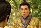 宫心计:王爷偷练武被皇上看到,立马装傻,不料自己被皇上打