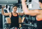为什么健身房的镜子比器材还多?是给我们360度自拍用的吗?