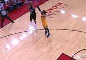 因双后撤造三分这球,哈登惹争议,NBA裁判协会回应:这球走步了