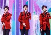 王俊凯被摸腰 TFBOYS春晚联排遭私生饭骚扰 粉丝:请自重!