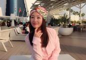 48岁杨钰莹晒旅游照,穿一袭白衣身材姣好,气质优雅似仙女