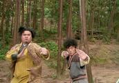 两个小贼想挑战少林寺,结果被一个扫地小和尚一顿暴打,丢死人了